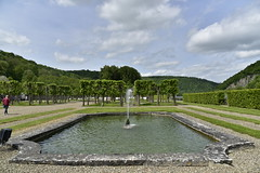 L'une des quatre pices d'eau rectangulaires (Flikkersteph -4,000,000 views ,thank you!) Tags: springtime garden waterpool fountain tranquillity landscape nature footpaths reflecting wonderful hills slopes cloudy shadow trees foliage castle hastire wallonia belgium