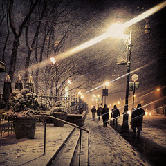 nyc light snow newyork nemo manhattan sidewalk smartphone... (Photo: egami obscura | www.egamiobscura.com on Flickr)