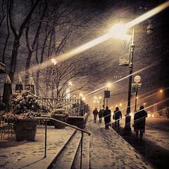 nyc light snow newyork nemo manhattan sidewalk smartphone... (Photo: egami obscura | www.egamiobscura.com on Flickr)