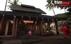 很多酒店都有对联门帘的中文 (人造人間,意慾蔓延) Tags: party vacation holiday love thailand happy tour spirit safari journey pleasure excursion benevolence pioneering innovative thaiculture outingsravel asightingtrip