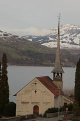 Kirche Einigen ( Church - Eglise - Chiesa => Erstmals erwähnt 1228 ) am Thunersee ( See - Lac - Lake - Lago ) im Berner Oberland im Kanton Bern in der Schweiz (chrchr_75) Tags: hurni christoph schweiz suisse switzerland svizzera suissa swiss kantonbern chrchr chrchr75 chrigu chriguhurni chriguhurnibluemailch 1303 märz 2013 hurni130319 albumkirchenkantonbern kirche chiuche church iglesia kirke kirkko εκκλησία chiesa 教会 kerk kościół igreja церковь eglise sveitsi sviss スイス zwitserland sveits szwajcaria suíça suiza chrighurni kanton bern berne berna bärn berner oberland berneroberland thunersee alpensee see lake lac sø järvi lago 湖 landschaft landscape natur nature albumthunersee albumregionthunhochformat hochformat thunhochformat