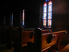 Pew and Window #2 (Photo Squirrel) Tags: light shadow church window evening maryland stainedglass grace nave pew episcopal brunswickmd songbook bookofcommonprayer graceepiscopalchurch frederickcountymd