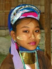 Portrait Thai (Matteo Grazioli) Tags: travel light sea portrait people color beach girl canon play g9