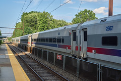 West Trenton Express train at Forest Hills (jayayess1190) Tags: philadelphia publictransportation pennsylvania trainstation masstransit septa commuterrail pushpull foresthills alp44