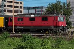 SBB Lokomotive Re 4/4 II 11150 bzw. SBB Re 420 150 - 5 ( Hersteller SLM Nr. 4682 - BBC MFO SAAS - Baujahr 1967 mit Scherenstromabnehmer ) am Gterbahnhof Bern Weyermannshaus bei Bern im Kanton Bern der Schweiz (chrchr_75) Tags: christoph hurni chriguhurni chriguhurnibluemailch chrchr chrchr75 august 2016 august2016 albumsbbre44iiiii lok lokomotive sbb cff ffs schweizerische bundesbahn bundesbahnen re44 re 44