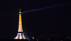 Paris, Tour Eiffel (louis.labbez) Tags: 14juillet 2016 bastilleday france ftenationale juillet paris labbez monument ville town eiffel tower tour nuit night spectacle phare iledefrance