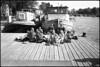 Amstel picnic (Franco & Lia) Tags: street fotografiadistrada photographiederue amsterdam nederland holland biancoenero noiretblanc blackandwhite pellicola analogico analog argentique nikonl35af2 agfa apx100 bellinihydrofen epson v500 blackdiamond
