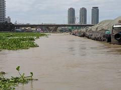 Chao Phraya River ~ Barge Traffic (geraldm1) Tags: thailand bangkok tropics tropical asia thai chaophrayariver