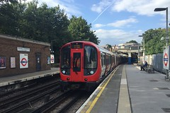 S8 (21113) - Ealing Common (GreenHoover) Tags: londonunderground tube lu surfacestock subsurfacestock metropolitanline ealingcommon sstock s8 districtline piccadillyline 21113