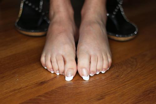 French toenails