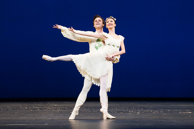 Alexander Campbell and Yuhui Choe in Voices of Spring © ROH/Tristram Kenton, 2013