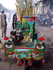 Sugar Cane Juicer Machine Mounted on Bycicle, Peshawar, Pakistan (tyamashink) Tags: pakistan