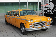 Checker Marathon Aerobus (1973) (Mc Steff) Tags: checker marathon aerobus retroclassicsmessestuttgart2013 1973 yellow cab