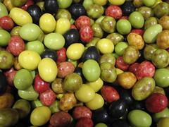 Aceitunas de Chocolate (Running Lezard) Tags: autumn verde green jaune candy sweet chocolate vert strasbourg amarillo olives otoño aceitunas chocolat lacuregourmande