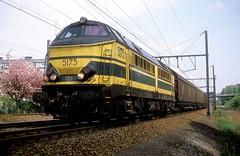 5175  Luchtbal  30.04.87 (w. + h. brutzer) Tags: analog train nikon eisenbahn railway zug trains locomotive 51 belgien lokomotive luchtbal diesellok eisenbahnen sncb dieselloks webru