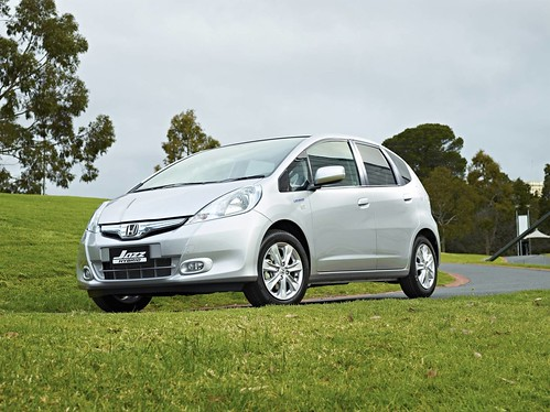 2013 Honda Jazz Hybrid - First Drive
