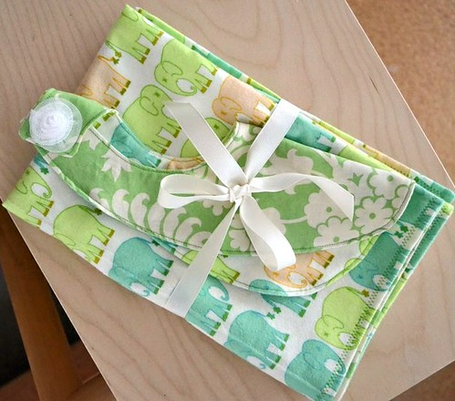 Bib and Baby Blanket Gift Set