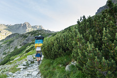 Do specyficzny ten plecak :) (czargor) Tags: outdoor inthemountain mountians landscape nature tatry mountaint igerspoland