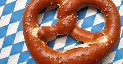 """Die Brezel. Die Brezeln. Bezeichnung in Bayern: Die Breze. Die Brezen. • <a style=""""font-size:0.8em;"""" href=""""http://www.flickr.com/photos/42554185@N00/28766610280/"""" target=""""_blank"""">View on Flickr</a>"""