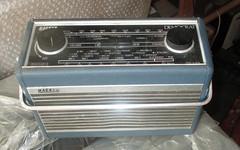 Hacker Democrat (roger.cook6@btinternet.com) Tags: receiver radio transistor hacker democrat lm