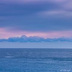Horizon bleu (Dcl'ike) Tags: marseille mer provence bleu carr ciel nature nuage paysage provencealpesctedazur france