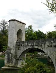 Où se trouve ce pont et quel est son nom? Le Pont de la légende à Sauveterre-de-Béarn (PA). (Marie-Hélène Cingal) Tags: france pont bridge