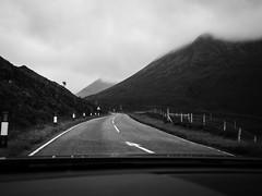Voyage au bout de l'ile #1 (franleru1) Tags: bw brume ecosse landscape montagne nb nature nuage omdem5 olympus paysage route scotland uk window blackandwhite car clouds monochrome noiretblanc parebrise road