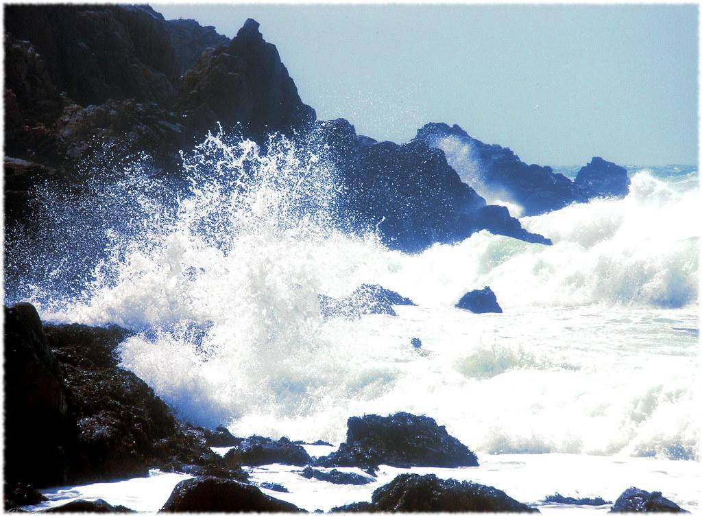 Waves breaking at Hannane Bay, Alderney