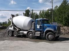 ''Bton 640'' Inc no.51 (PLEIN CIEL) Tags: granite mack concretemixer btonnire twinsteer bton640 camiondouzesroues