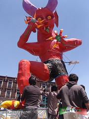Tradicional Quema de Judas 2013 (03-11) (jarsphe) Tags: santa mexicana easter gloria holy mexicanos week sabado judas semana toluca artesanos artesano quema cartoneria
