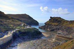 Boscastle harbour at low tide (Baz Richardson (trying to catch up!)) Tags: coast cornwall cliffs rivers harbours boscastle rivervalency cornishharbours northcoastofcornwall