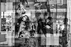 Seducer  dreams / Sueos de seductor (Manuel Atienzar) Tags: reflection beauty streetphotography reflejo hairdresser hairsalon shopwindow belleza peluqueria hairdressing escaparate hairstyling manuelatienzar
