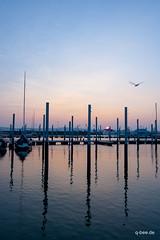 Abendstimmung (Q-BEE) Tags: travel lake abend harbour urlaub ostern hafen bodensee stimmung pastell abendrot