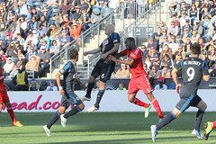 Conor Casey gets a little push in the air (Paul Rudderow- Jersey Shooter) Tags: psp pennsylvania soccer chester mls headball torontofc sonsofben rudderow 31313 conorcasey philadelphiaunion pplpark phillysoccerpagenet