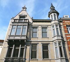 Bruxelles-Schaerbeek, Belgique: rue Kessels, architecte Franois Hemelsoet. (Marie-Hlne Cingal) Tags: brussels belgium belgique belgie bruxelles brussel schaerbeek franoishemelsoet