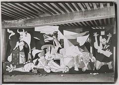 Guernica, tat VI (photosurrealiste) Tags: picasso guernica atelier doramaar rmn