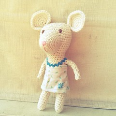 Ratona (~ tilde ~) Tags: mouse diy crochet amigurumi ratn ganchillo uploaded:by=flickrmobile flickriosapp:filter=chameleon chameleonfilter