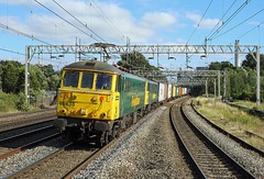 86638 + 86607, Rugeley, 12 Aug 2016 (Mr Joseph Bloggs) Tags: freightliner 4m88 freight cargo merci bahn railway railroad 86 86638 86607 al6 felixstowe north crewe basford hall rugeley trent valley wcml west coast main line intermodal container train treno