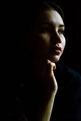 (Mari Villadiego) Tags: fondo negro retrato gente mona verde medicion girl nia colombia