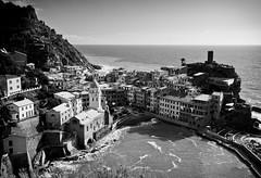 Vernazza, italian village (_Franck Michel_) Tags: sea bw italy mer white black noir village nb blanc italie mygearandme mygearandmepremium