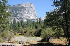 0945_USA 2012 - Yosemite National Park / California (Tsinoul) Tags: california park cliff mountain lake mirror nationalpark nikon mirrorlake lac dry sierra valley yosemite summit yosemitenationalpark sierranevada parc watkins yosemitevalley sommet paroi parcnational mtwatkins assch d300s nikond300s