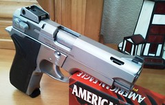 S&W 4006 Ported (Quagmar) Tags: pistol 40 stainless ported smithwesson 4006