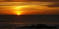 Por do Sol em Lea (vmribeiro.net) Tags: sunset sol portugal geotagged do da por matosinhos palmeira lea tamronaf18200mmf3563xrdiiildasphericalif geo:lat=4119671966964758 geo:lon=8709693253040314