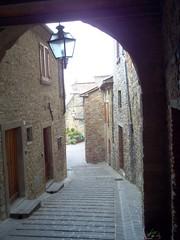 Monte Santa Maria Tiberina (sandromars) Tags: santa italy italia village streetlamp maria medieval vault monte borgo medievale umbria volta lampione tiberina