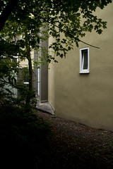 hinten // in the back (apfelbla) Tags: window wall fenster wand