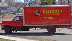 Grizzli Asphalte (Jacques Trempe) Tags: advertising quebec publicity publicite vehicule grizzli stefoy asphalte