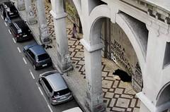 Expresso Popular: A Vida que Passa (Alexandre Kupac) Tags: viaduto da borges otavio rocha porto alegre fotojornalismo streetphotography streetruacallejera arccov