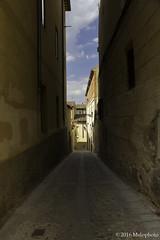 Bocado (Melophoto) Tags: segovia melophoto melvinramrez europa2016 espaa calles caminos callejuelas balcones luz sombra estrecho