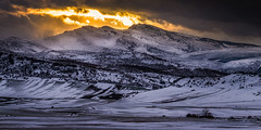 Una tierra perdida (Giacomo della Sera) Tags: landscaoe red orange naranja rojo paisaje mountain montaa scenary sunset puestadesol clouds nubes