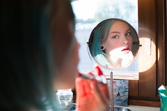 Morning! (Barry_Madden) Tags: model photoshoot female finnish finnishgirl greenhair kes portraits portraits2016 shorthair sirja summer woman youngwoman mirror makeup morning